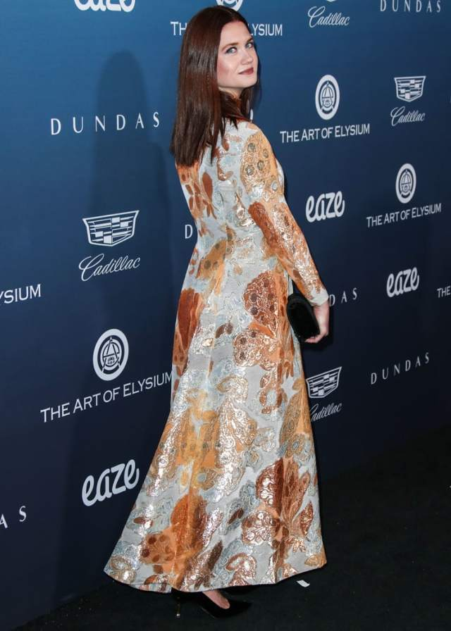 bonnie wright ass awesome