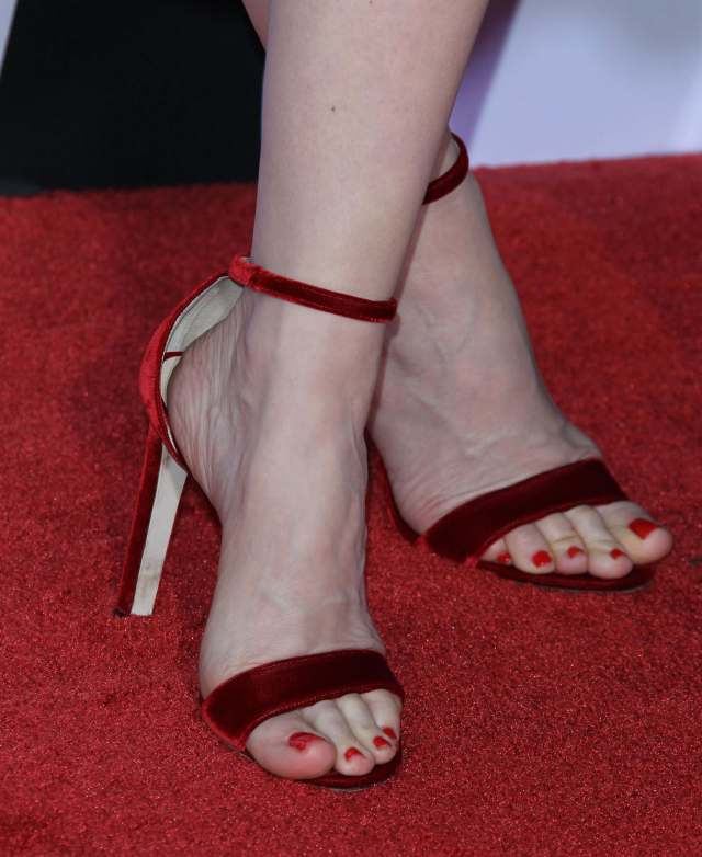 leslie mann Sexy Feet Picture