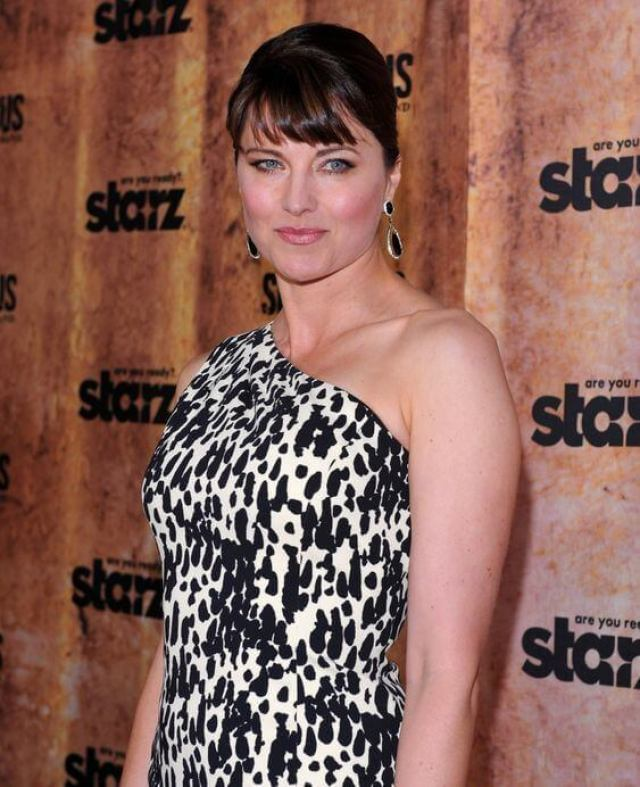 lucy-lawless-gorgeous