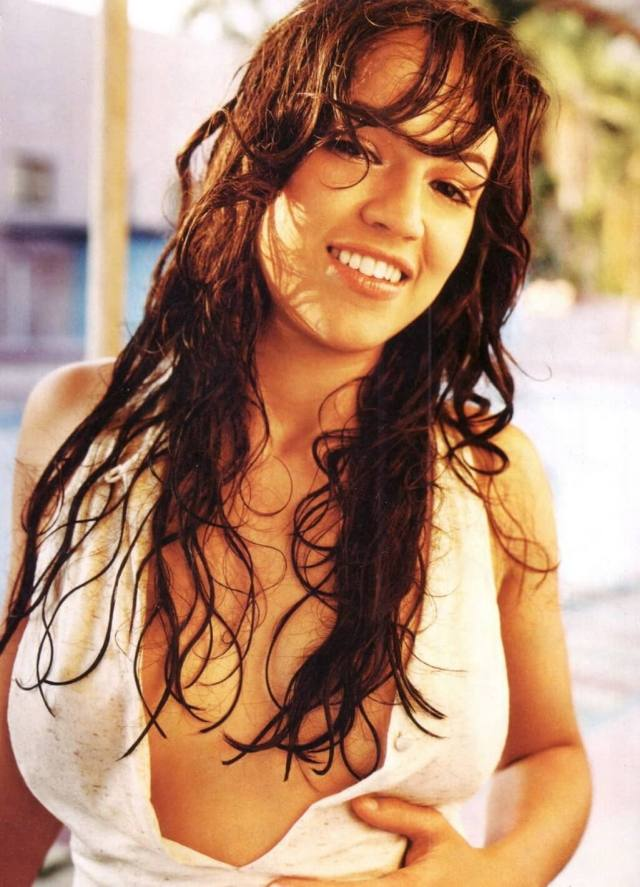 michelle rodriguez boobs cleavage