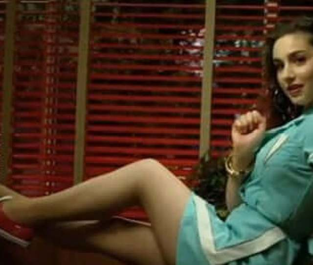 Sexy Molly Ephraim Feet Pictures Will Make You Go Crazy For