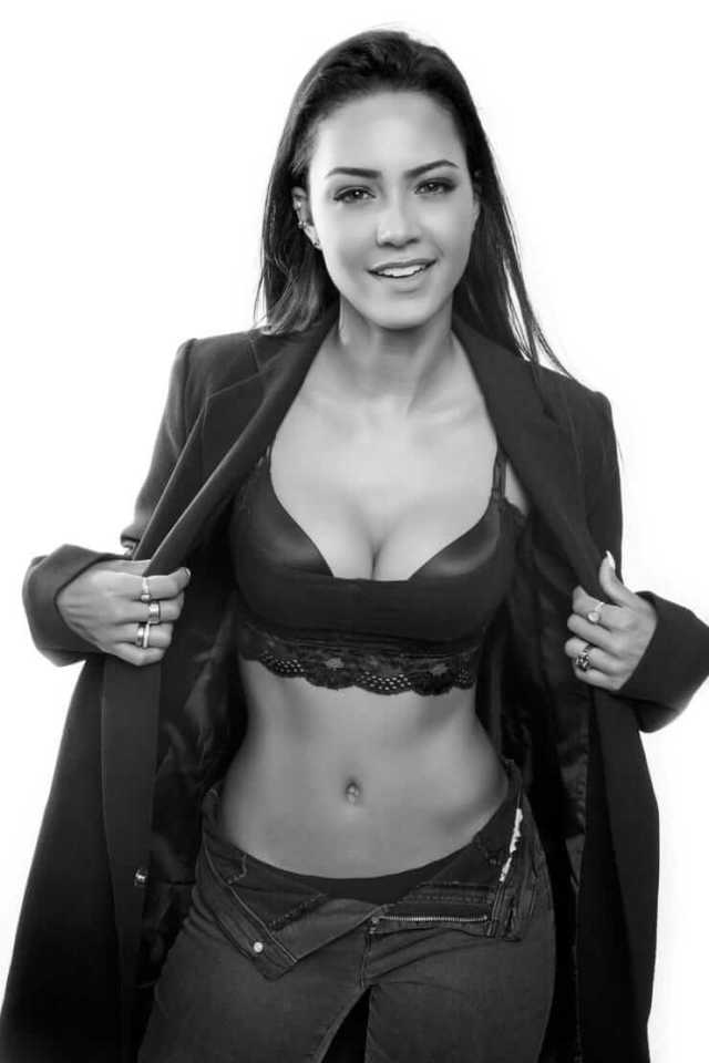 tristin mays sexy boobs