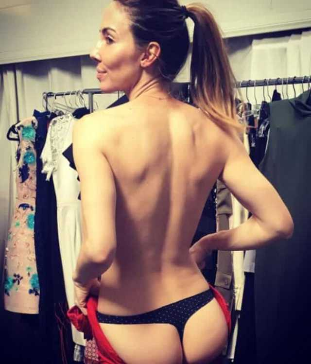 whitney cummings sexy booty pic