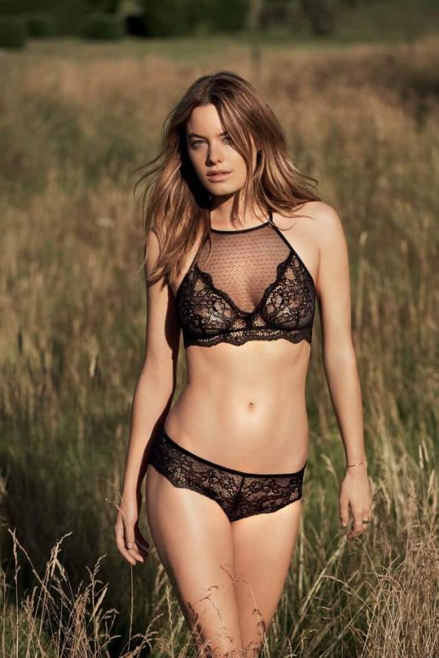 Camille Rowe sexy