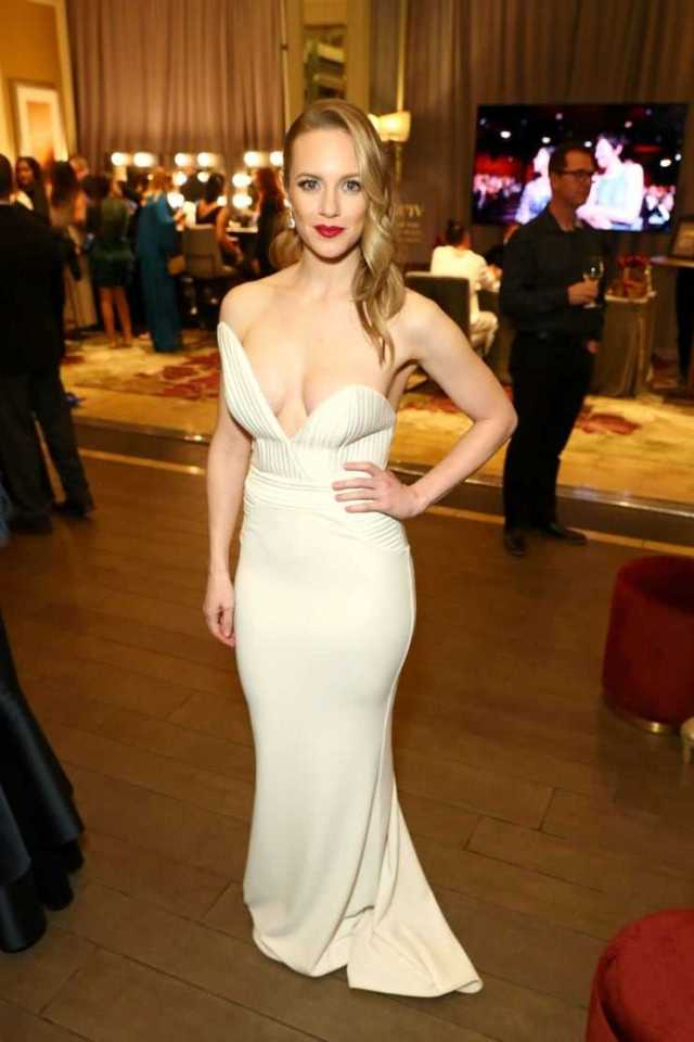 Danielle Savre sexy pictures
