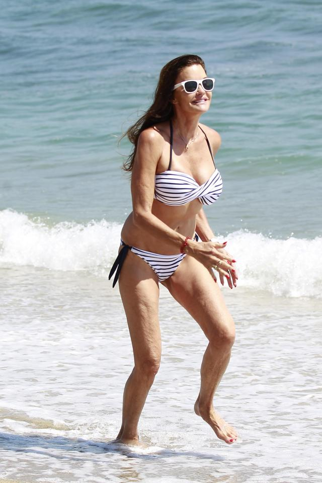 Janice Dickinson beach pictures