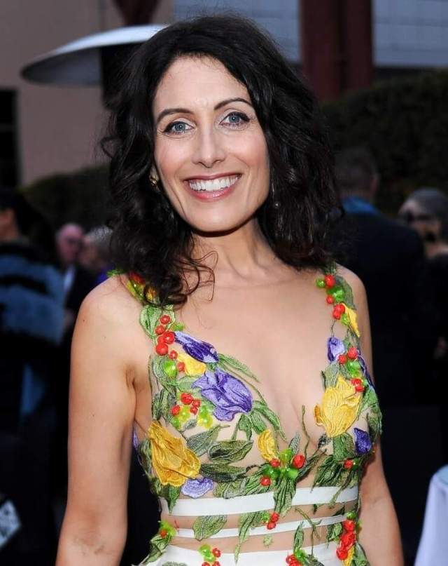 49 Hot Pictures Of Lisa Edelstein Show Off Her Raunchy