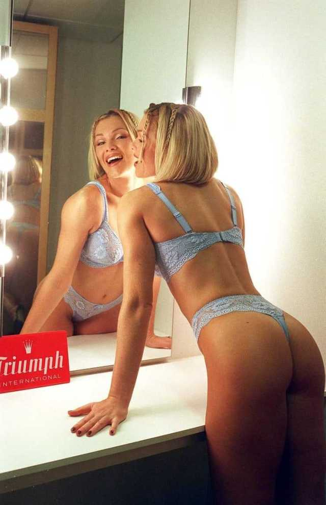 Nell McAndrew sexy butt pictures