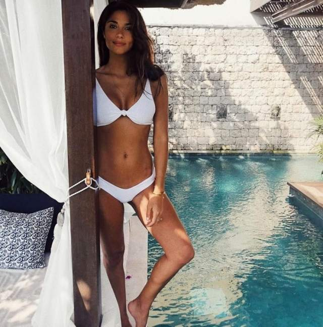 Pia Miller awesome pic