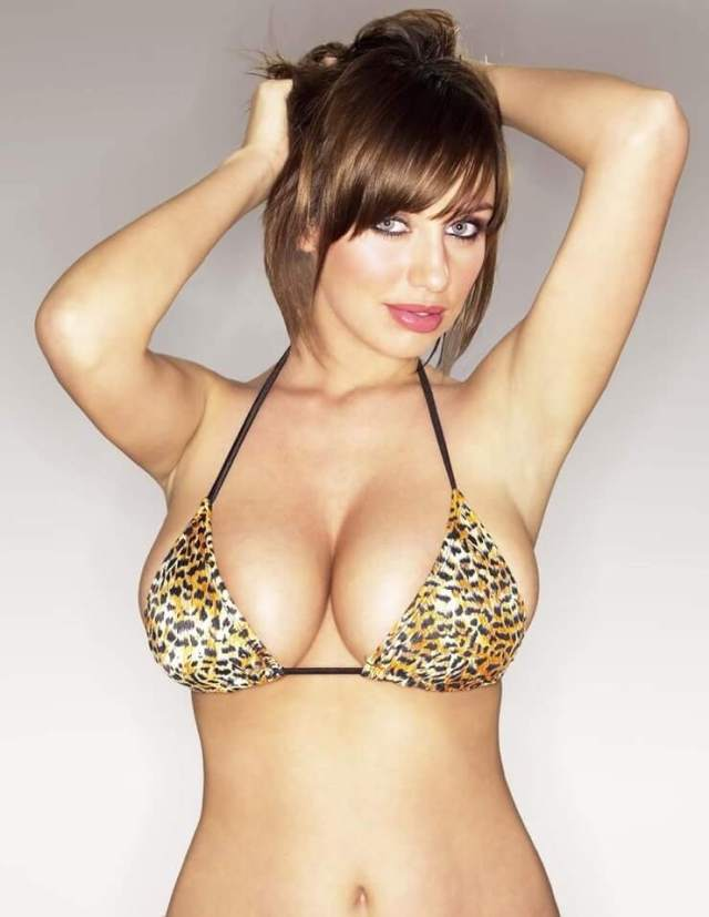 Sophie Howard sexy (1)