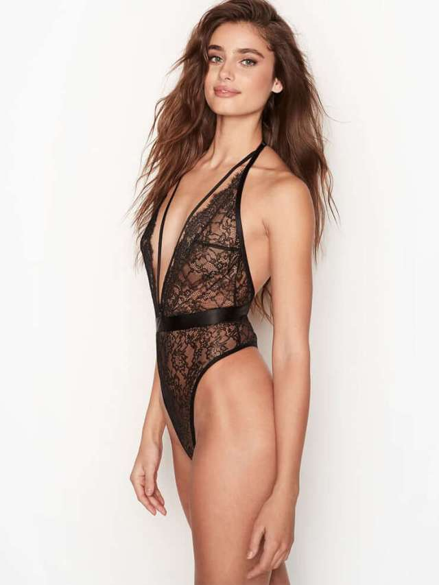 Taylor Marie Hill side boobs
