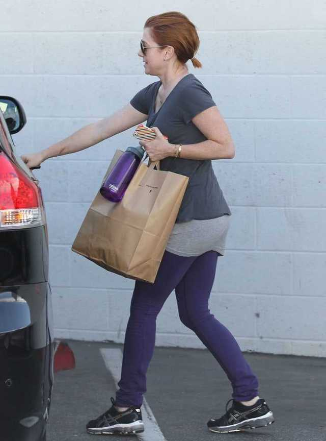 Alyson Hannigan sexy ass pictures