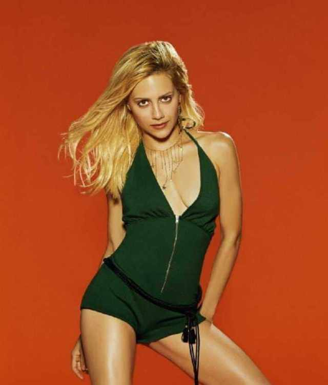 Brittany Murphy boobs cleavage