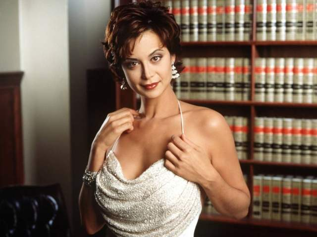 Catherine Bell sexy image