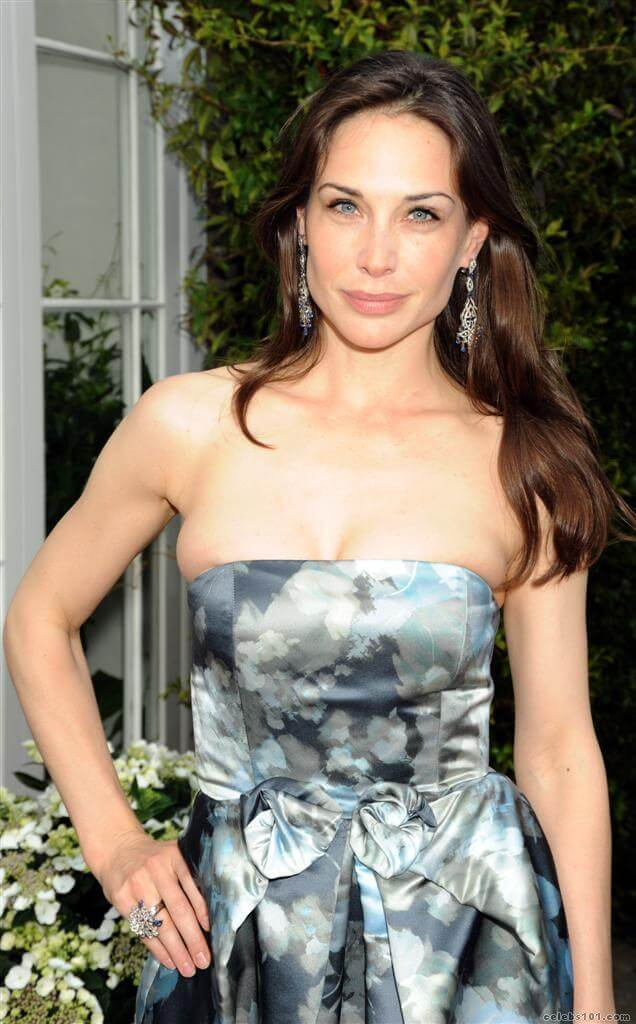 Claire Forlani sexy busty