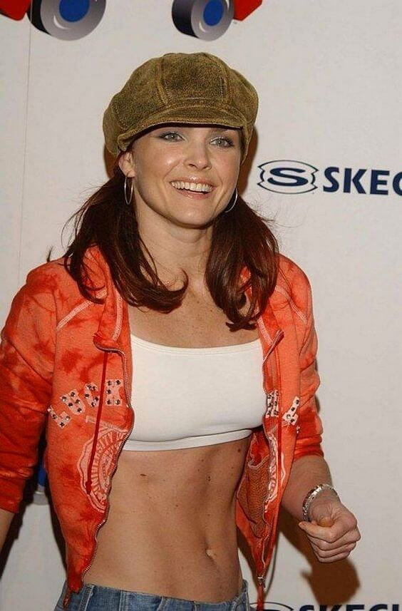 Dina-Meyer-awesome-pic