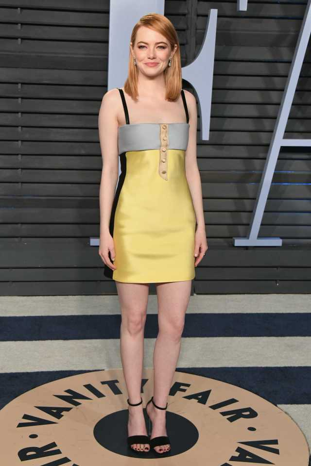 Emma Stone sexy look pictures