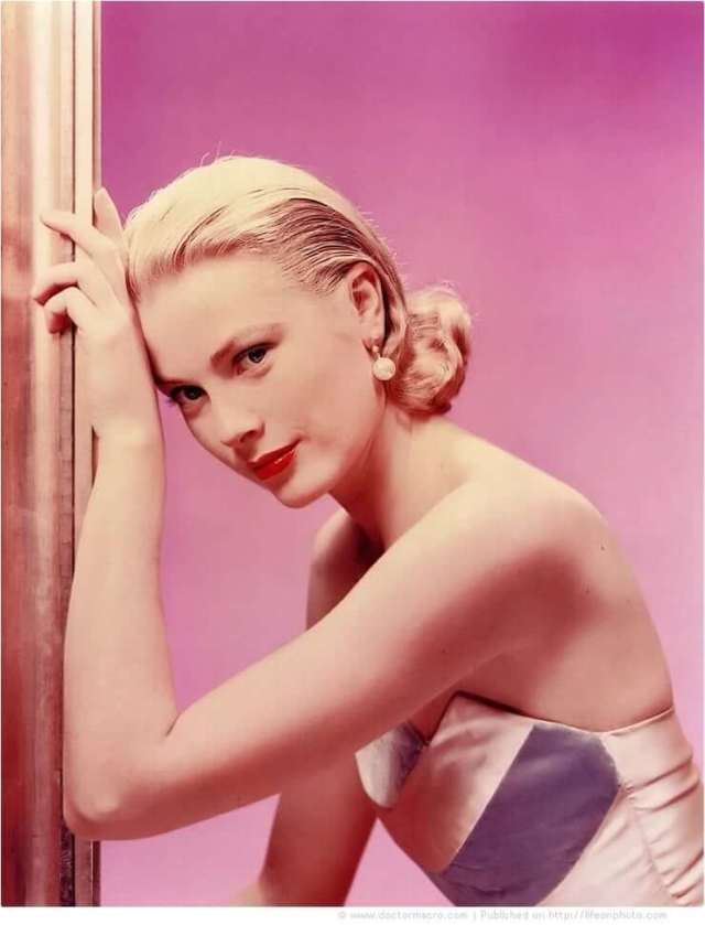 Grace Kelly sexy pic (2)