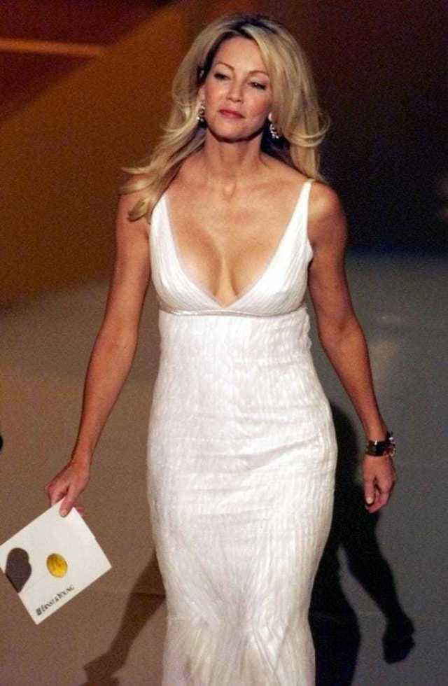 Heather Locklear hot cleavage pictures (2)