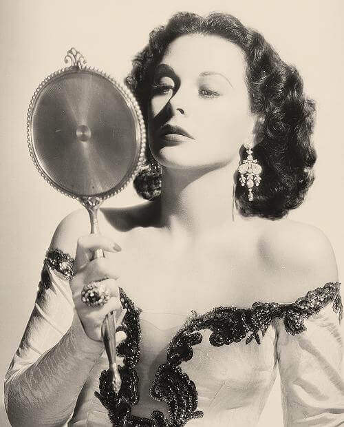 Hedy-Lamarr-sexy-busty-pictures (1)