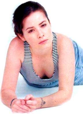 Holly Marie Combs hot cleavage pics