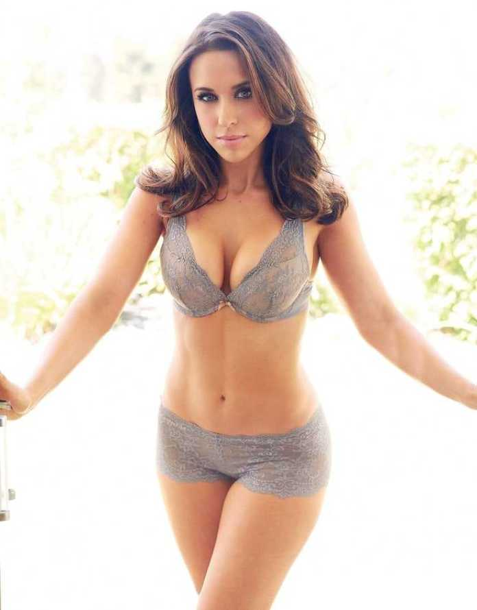 49 Hottest Lacey Chabert Big Butt Pictures Proves She Is A Shining Light Of Beauty | Best Of ...