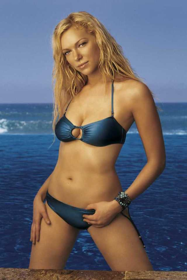 Laura Prepon hot bikini pictures
