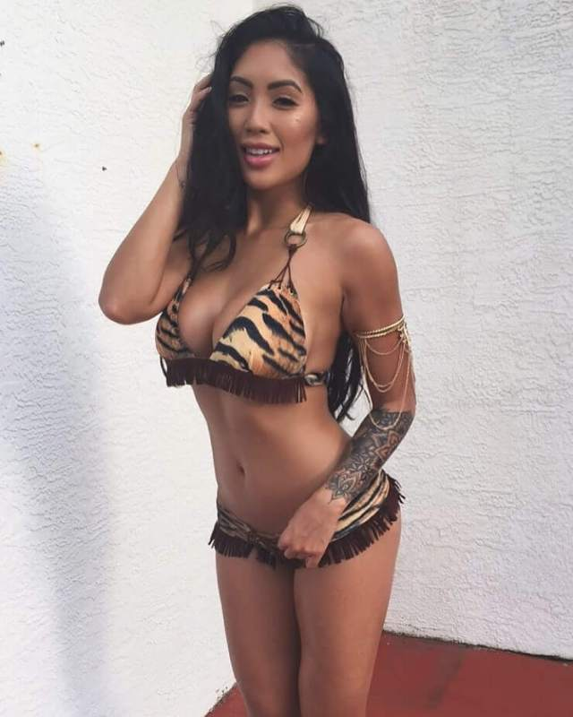 Marie Madore sexy boobs picture