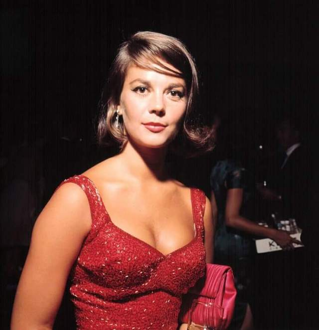 Natalie Wood sexy busty