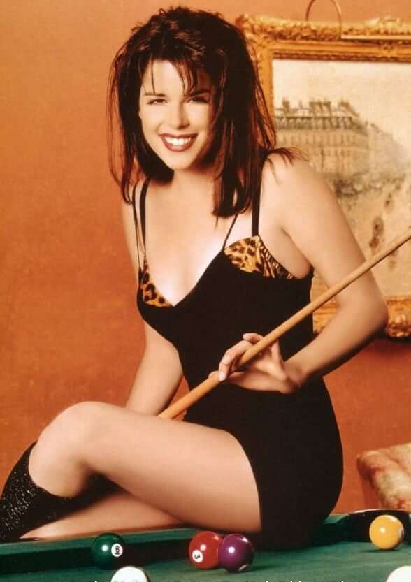 Neve Campbell awesome pics