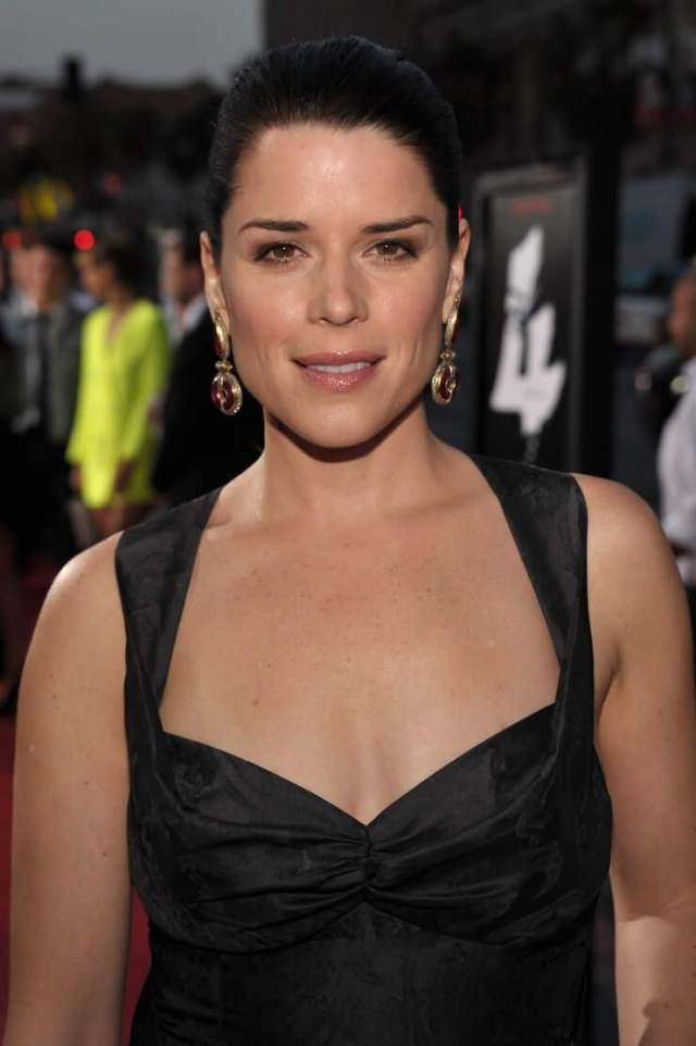 Neve Campbell sexy picture (3)
