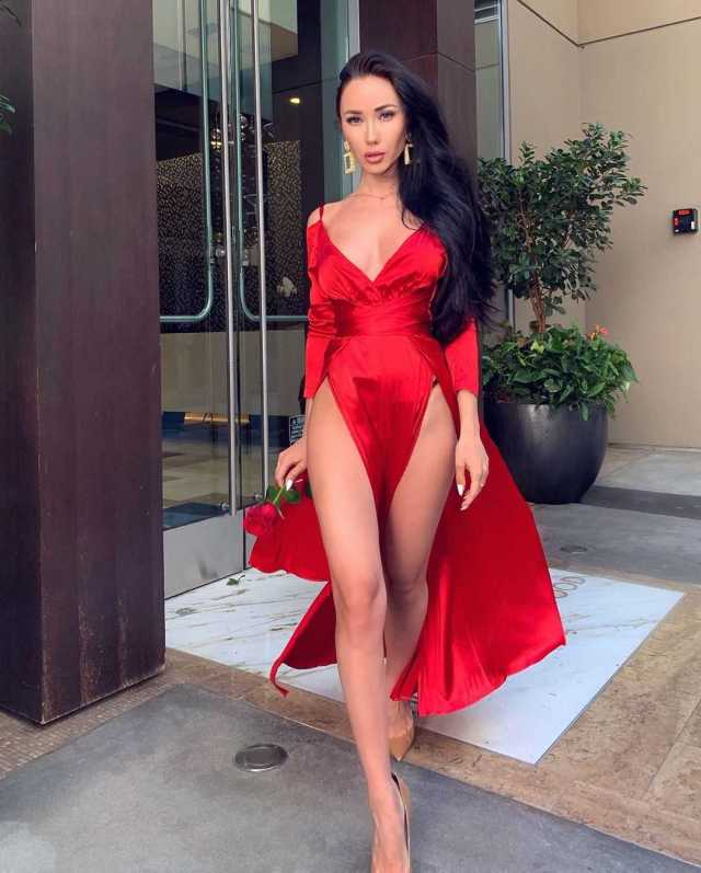 Nina Serebrova sexy red dress pics