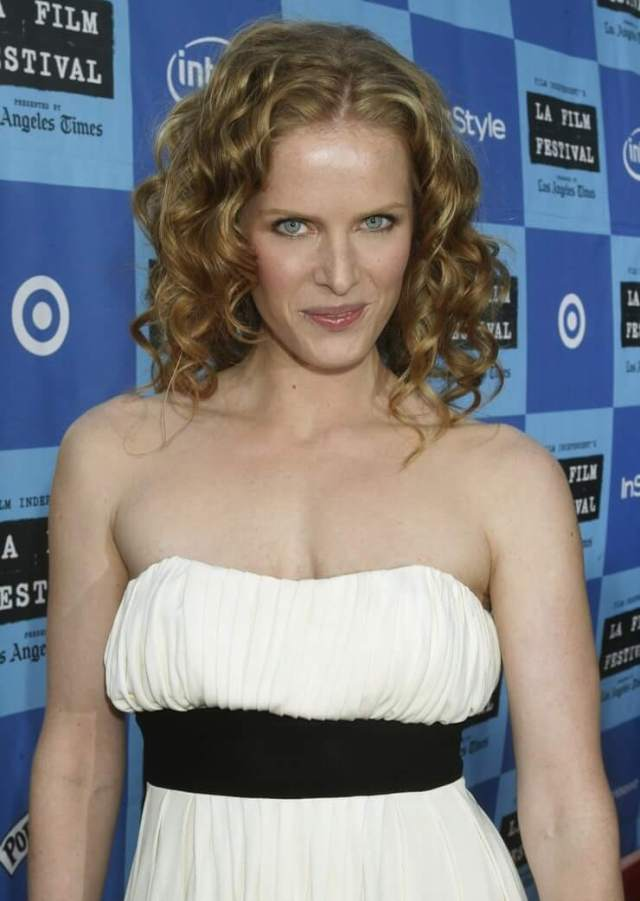 Rebecca Mader sexy boobs