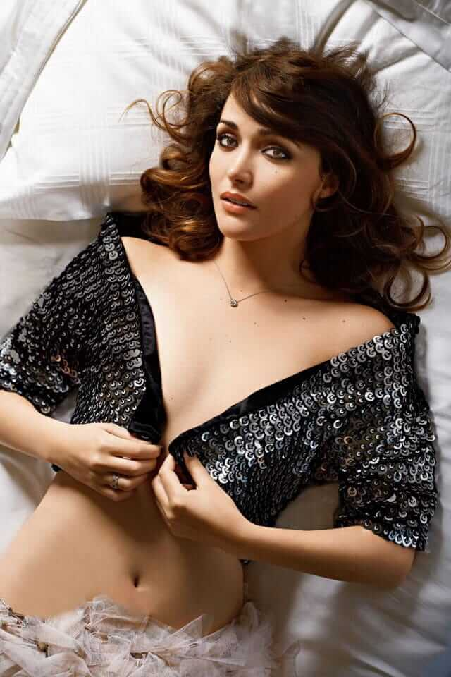 Rose Byrne hot cleavage pics (2)