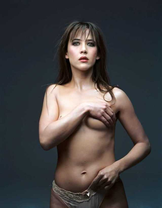 Sophie Marceau sexy topless pics