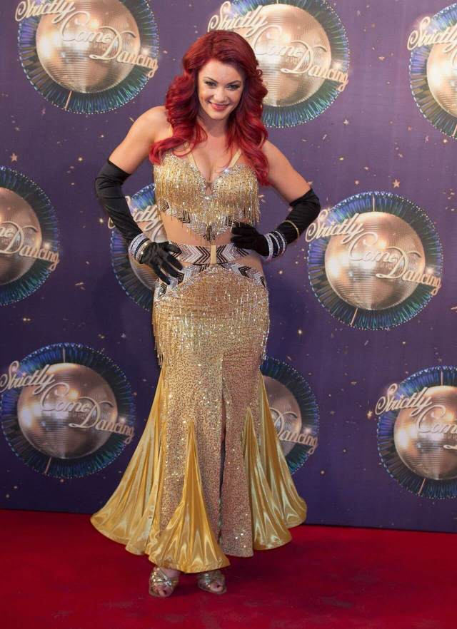 Dianne Buswell sexy cleavage picture