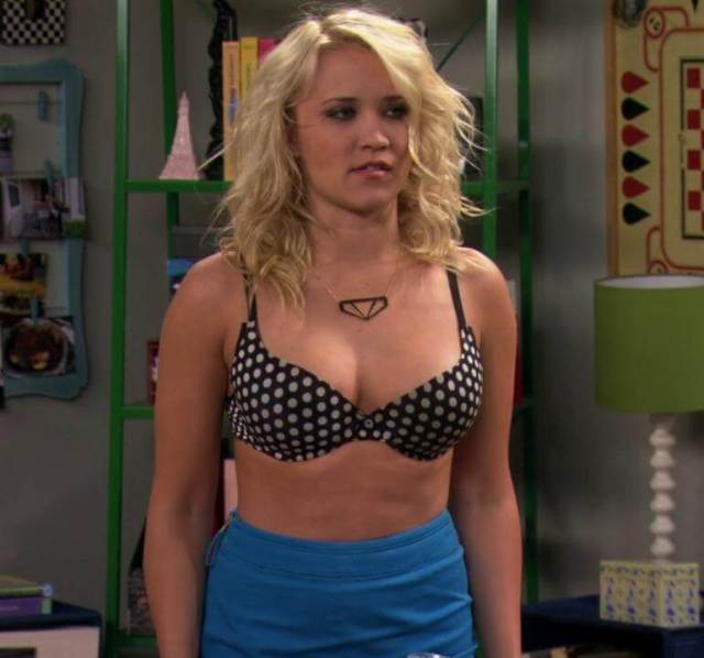 Emily Osment sexy picture (6)