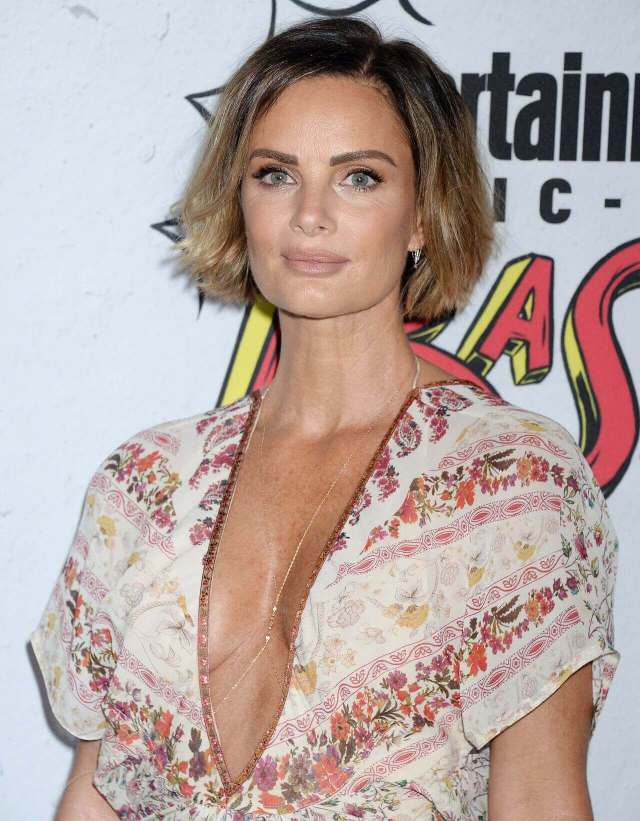 Gabrielle-Anwar-hot-cleavages