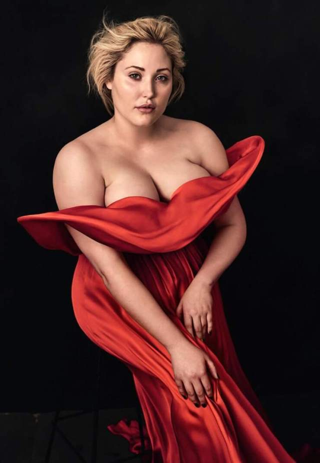 Hayley Hasselhoff sexy boobs pic