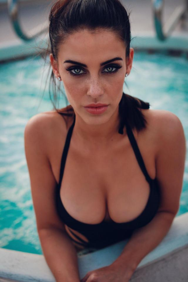 Jessica Lowndes boobs cleAVAGE (2)