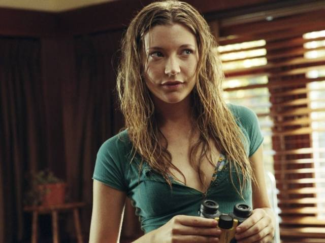Sarah-Roemer-sexy-cleavage-pic-min