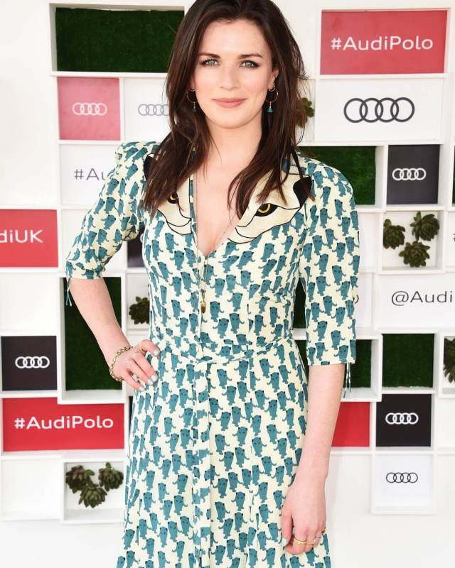 Aisling Bea hot busty pic