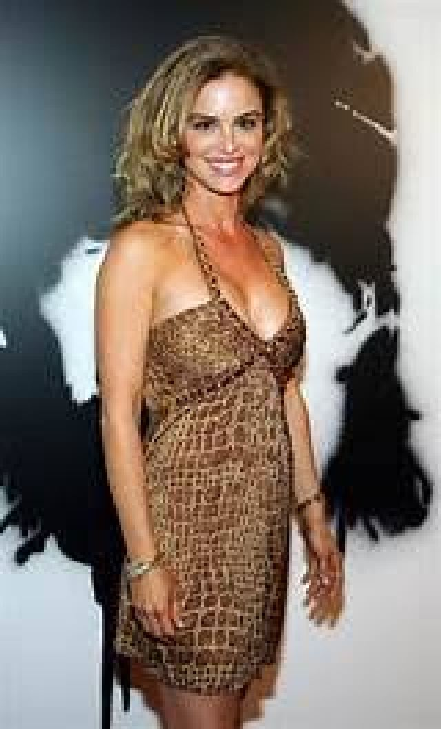 Betsy Russell side pose