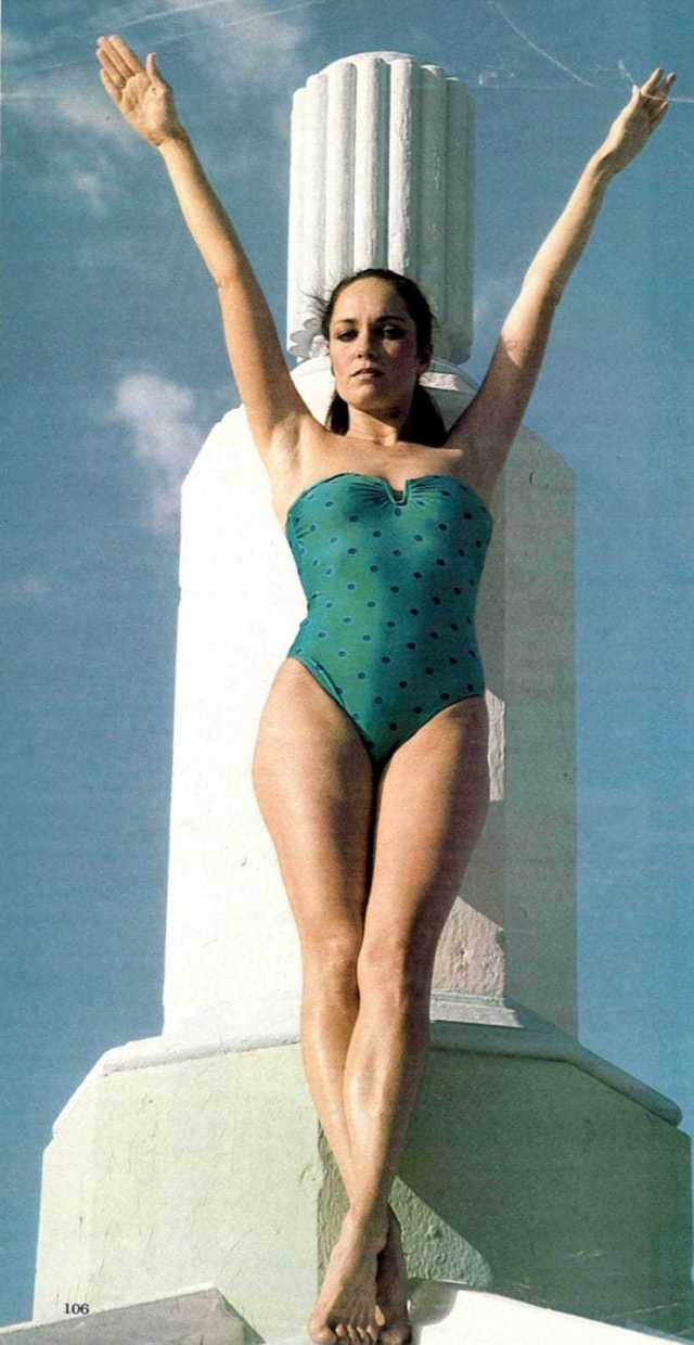 Catherine Bach sexy legs (2)