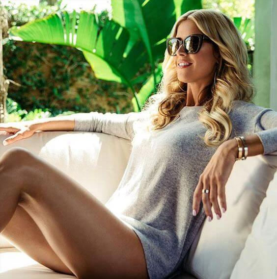 Christina El Moussa sexy thighs