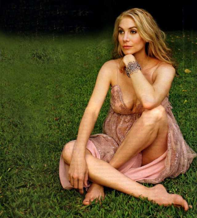 Elizabeth Mitchell beautiful (2)