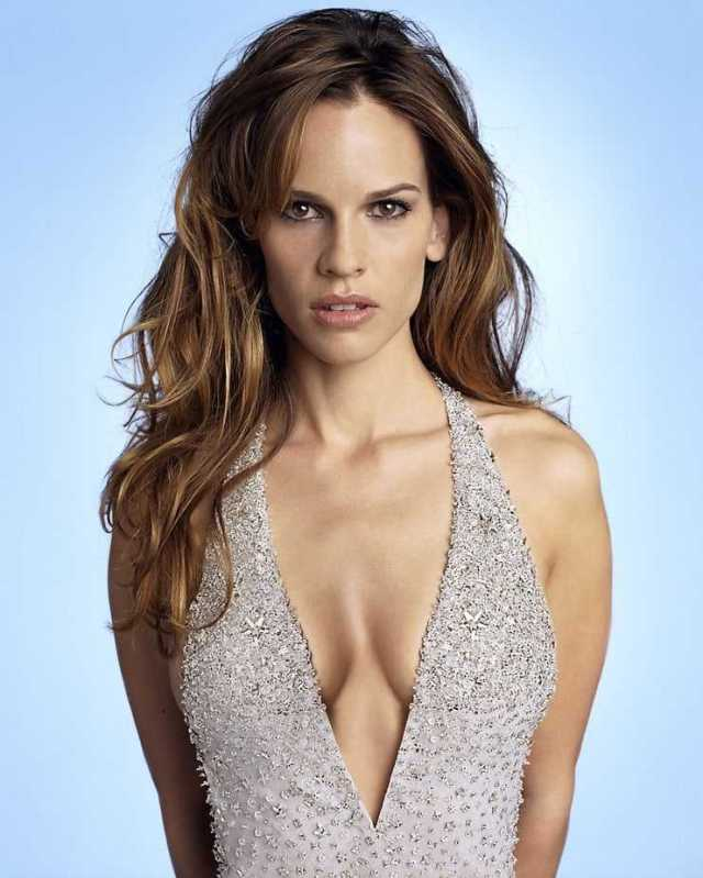 Hilary Swank sexy cleavage