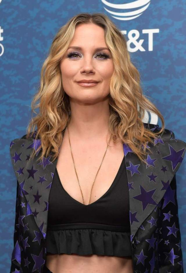 Jennifer Nettles hot picture