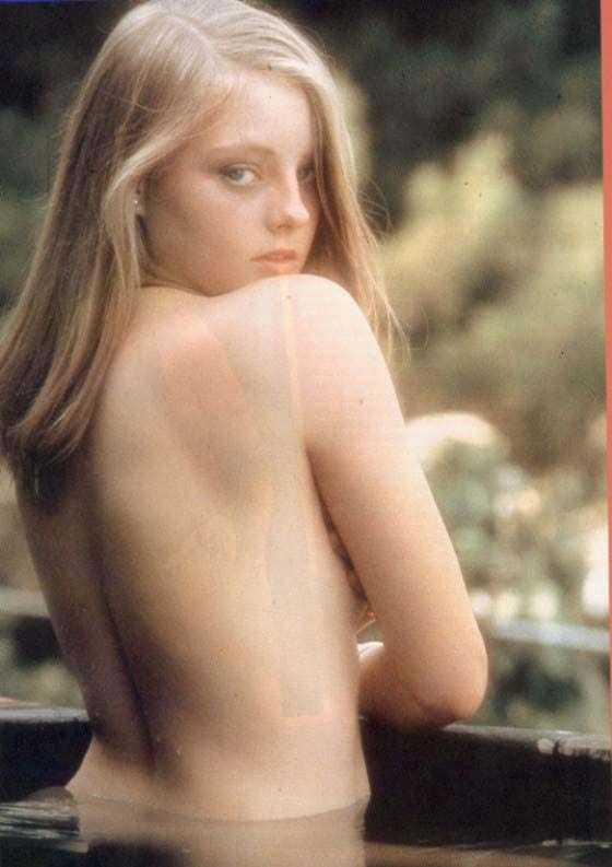Jodie Foster topless pics