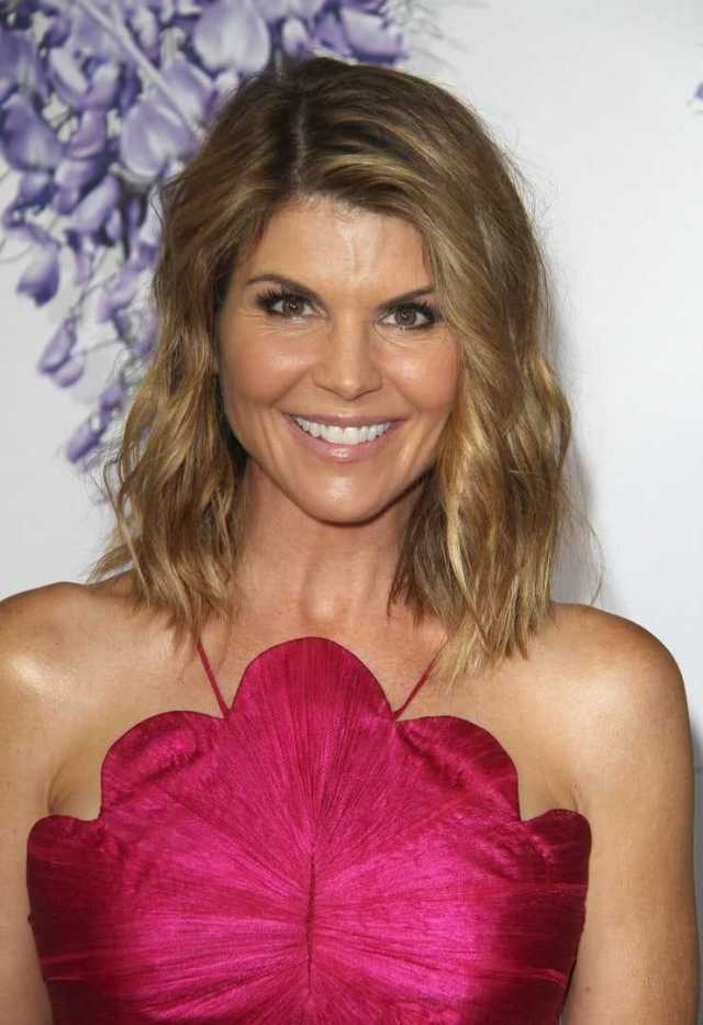 Lori Loughlin hot pic (1)